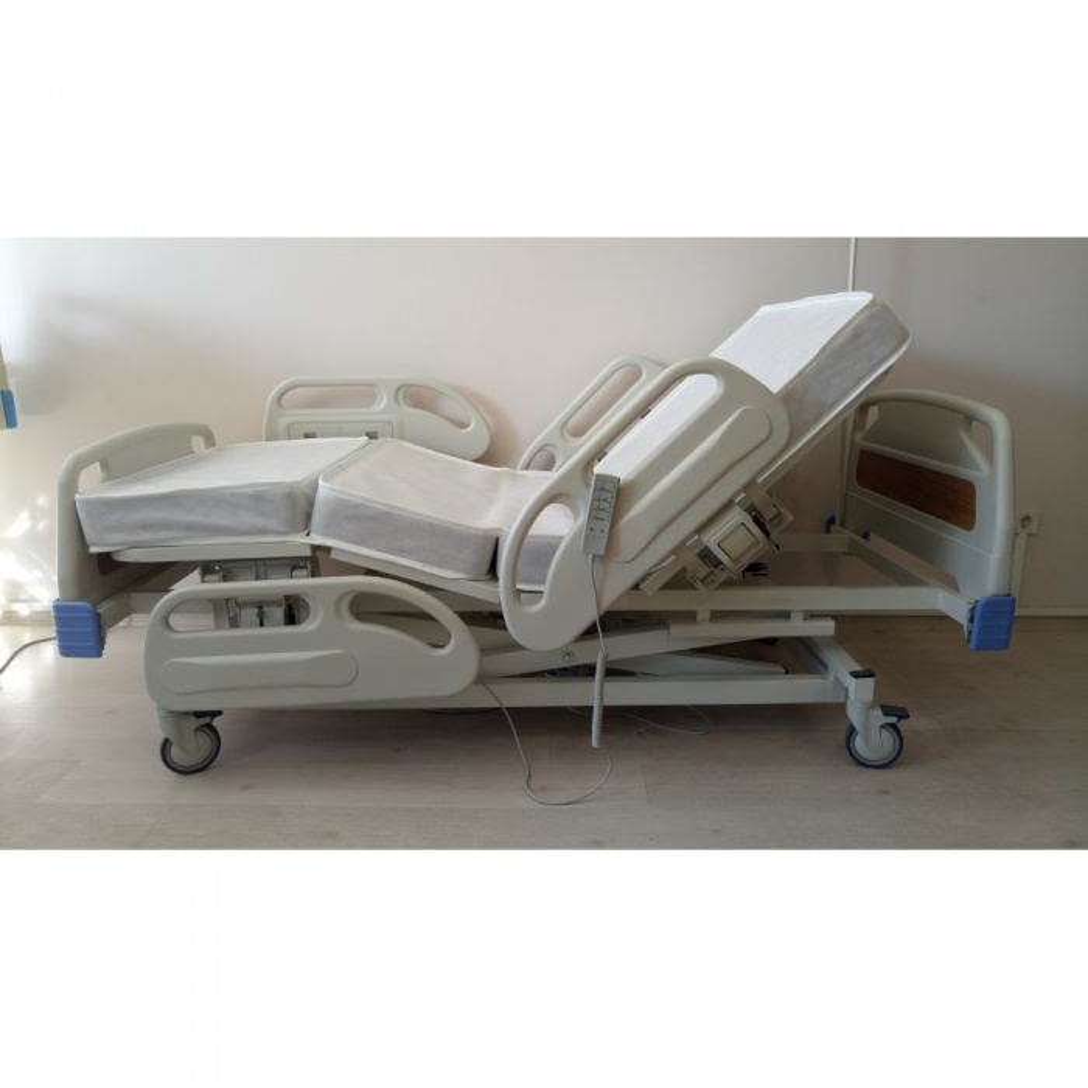 PY153/A 3 Motorlu Full ABS Asansörlü Hasta Karyolası + 4 Parçalı Yatak